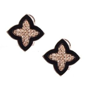 ✨Coming Soon✨Champagne Clover Stud Earrings